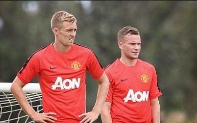Manchester United Jual Tiga Pemain