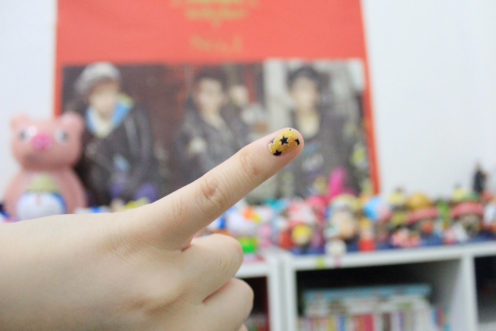 how-to-apply-tutu-nail-sticker