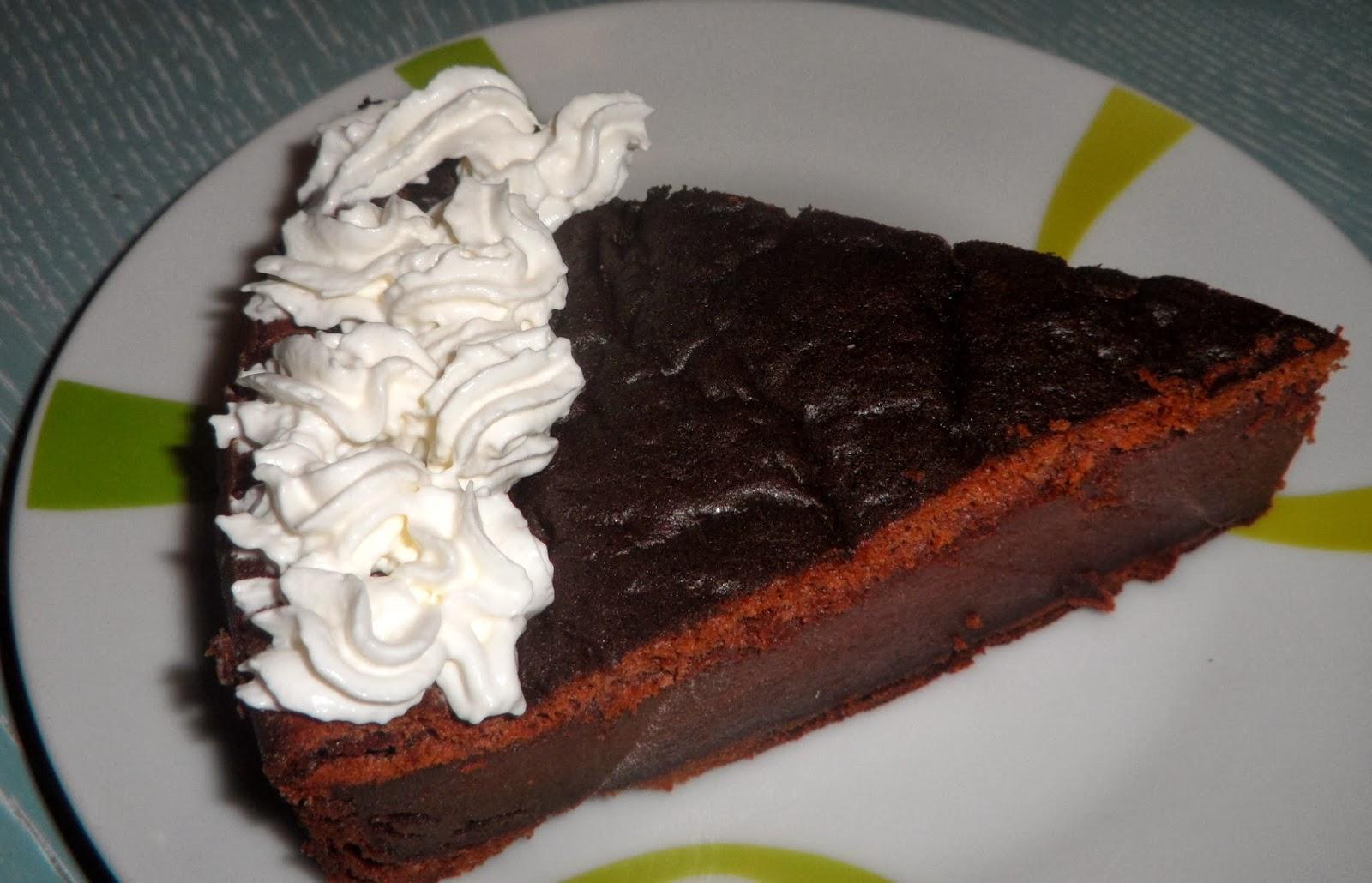 Torta di budino al cioccolato senza lievito