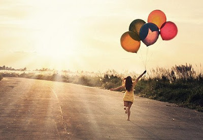 healthy, be thankful, inspiration, inspirative story, story of the day, grateful, fly, jump, life, fly with balloon, girl