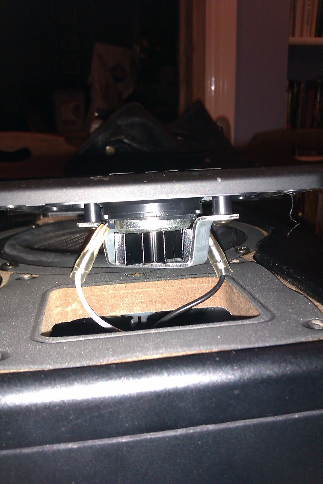 Mending Things A Pair Of M Audio Bx5a Monitors The Circuit You Showed In Your Blog Doesn39t Work Capacitor Is Can Pull Speaker Wires From Tweeter But Take Note Polarity Or Better Still Picture Once Disconnected