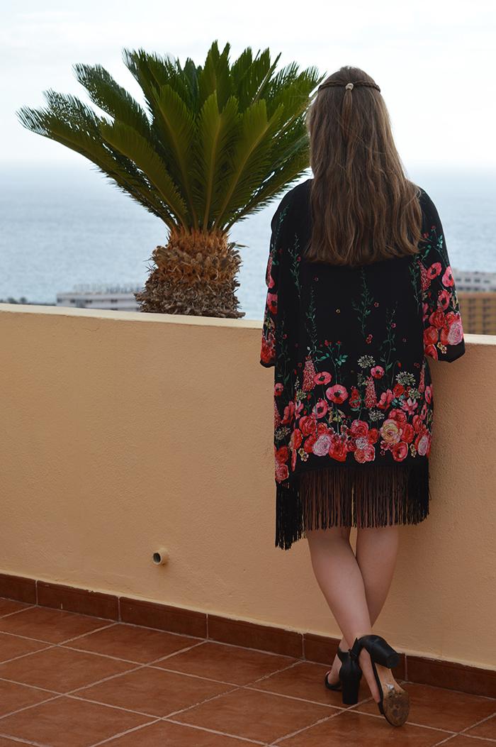 H&M kimono fashion bloggers