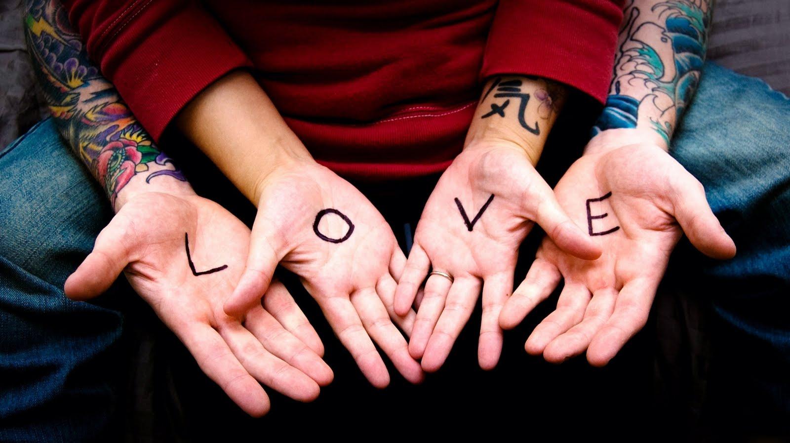 http://1.bp.blogspot.com/-qBioqcgJlCk/Tp0Ja0-YwYI/AAAAAAAAAlg/zga0VZdiDJ4/s1600/Love%20Letters%20Arms%20Boy%20Girl%20Tattoos%20HD%20Wallpaper%20-%20LoveWallpapers4u.Blogspot.Com.jpg