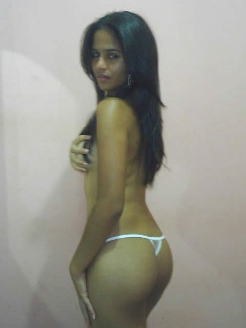 Naked pictures of Hot Desi Girl indianudesi.com