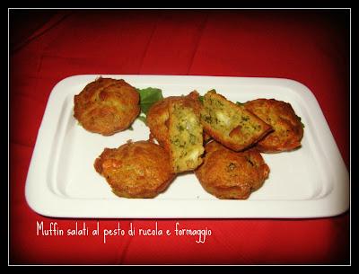 muffin salati al pesto di rucola e formaggio