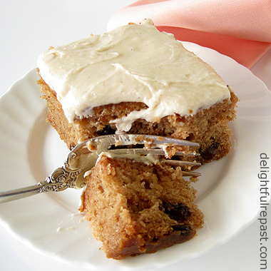 this applesauce spice cake is free of four common food allergens ...