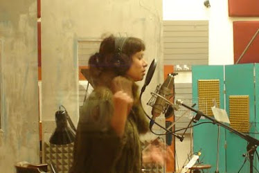 Erica Garcia grabando en Casa Frida