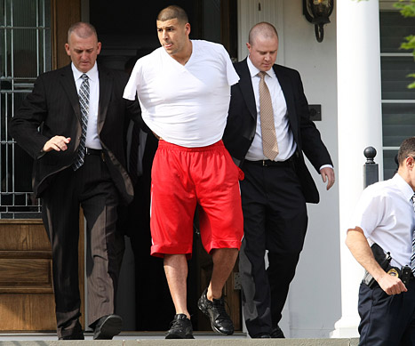 23 year old new england patriot tight end aaron hernandez was arrested