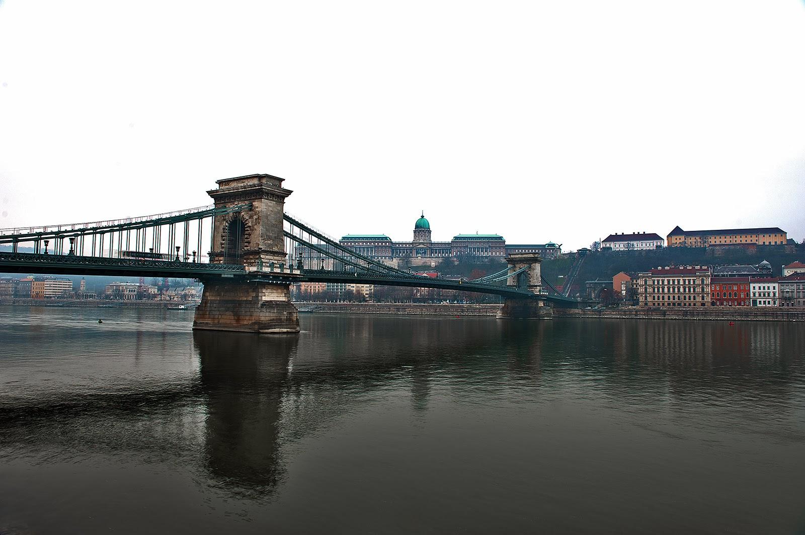 Budapest, Chain Bridge, Danube