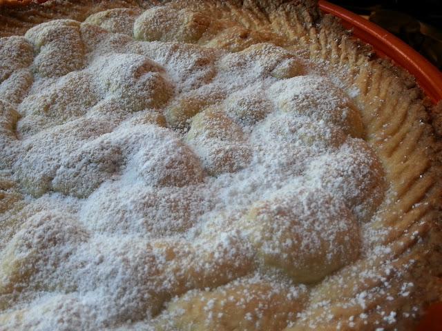 crostata morbida con pere e cioccolato