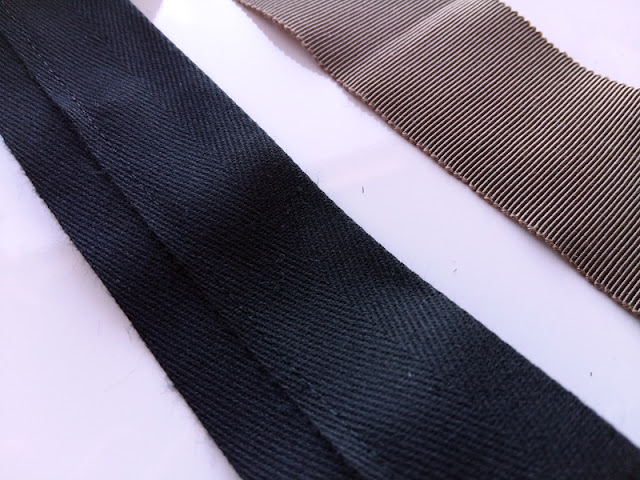 Twill tape and petersham ribbon | www.stinap.com