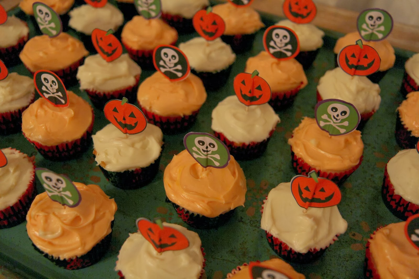 Pumpkin Cupcakes 2 - Spooky Glam Halloween Party