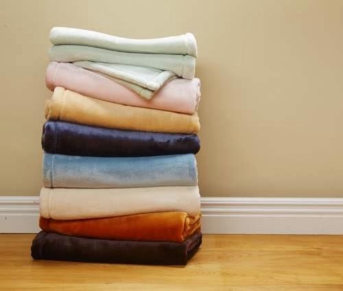 blanket giveaway