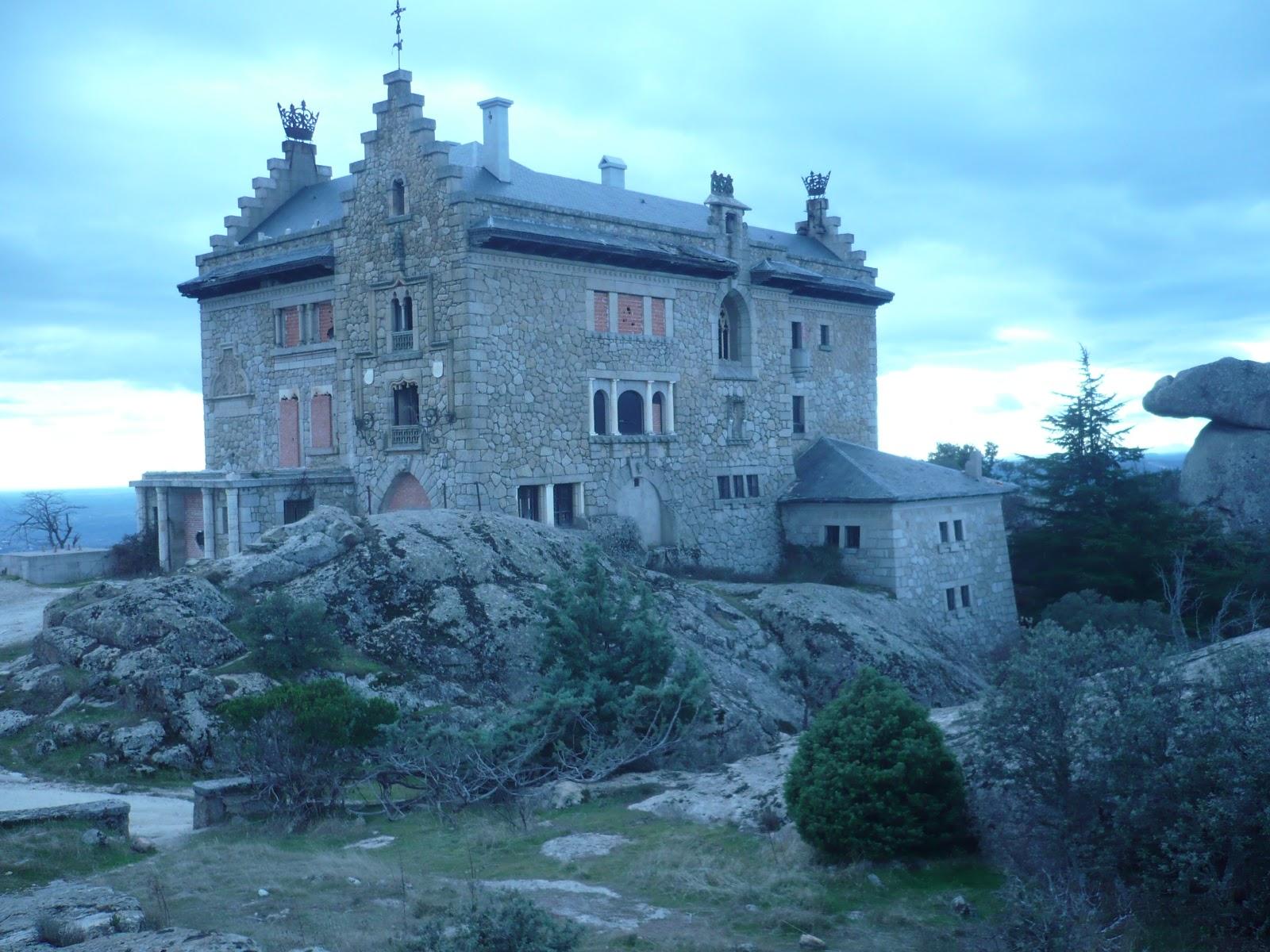 La sombra de eratosthenes el palacio perdido de for Casa minimalista torrelodones
