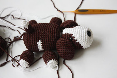 Amigurumi Dog Noses : HAPPYAMIGURUMI: Amigurumi Dog Pattern in process