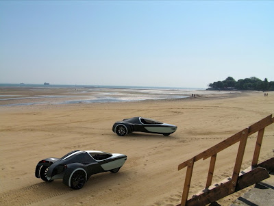 Manta Amphibious EV Concept