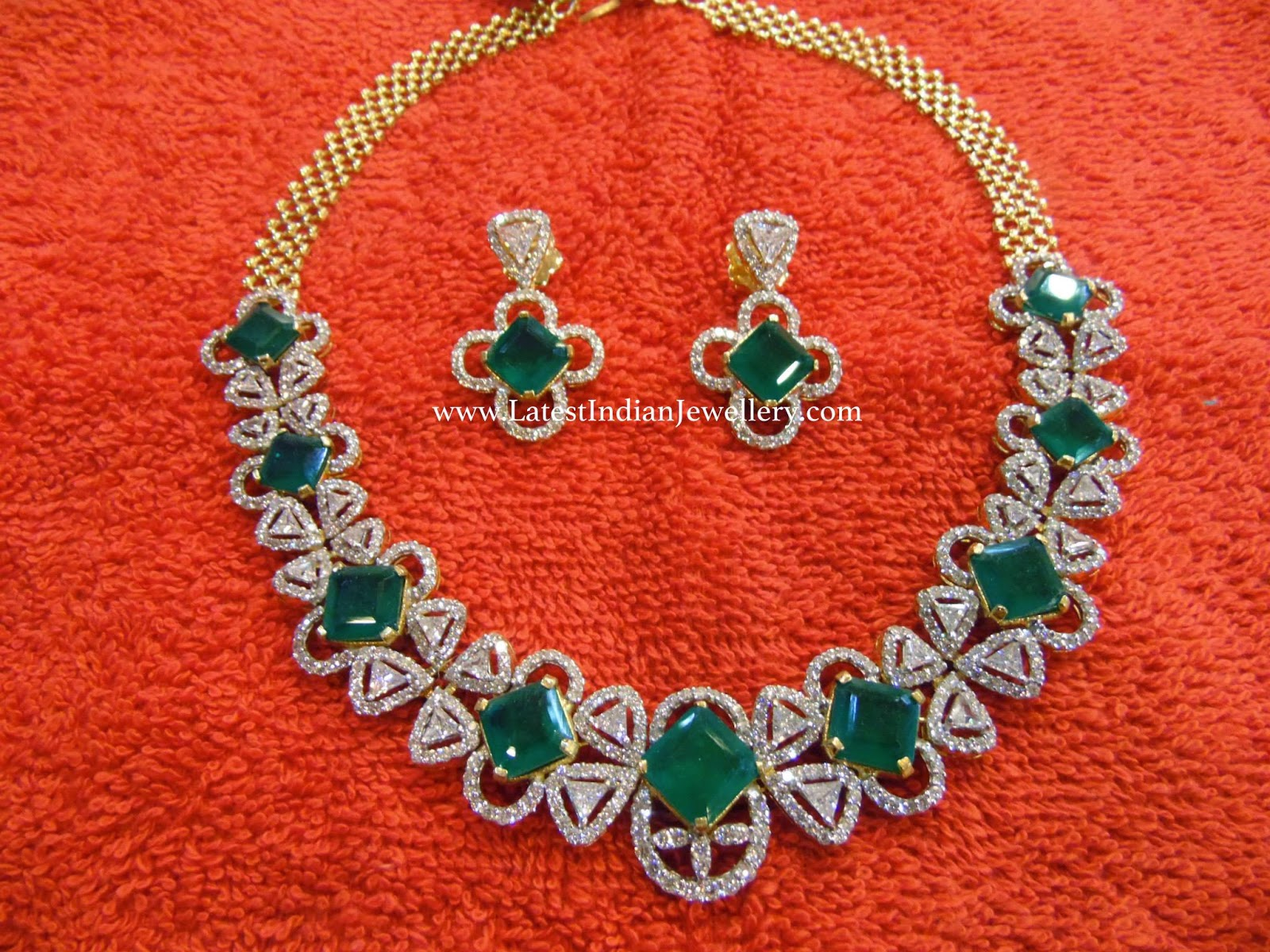 stylish diamond emerald necklace set