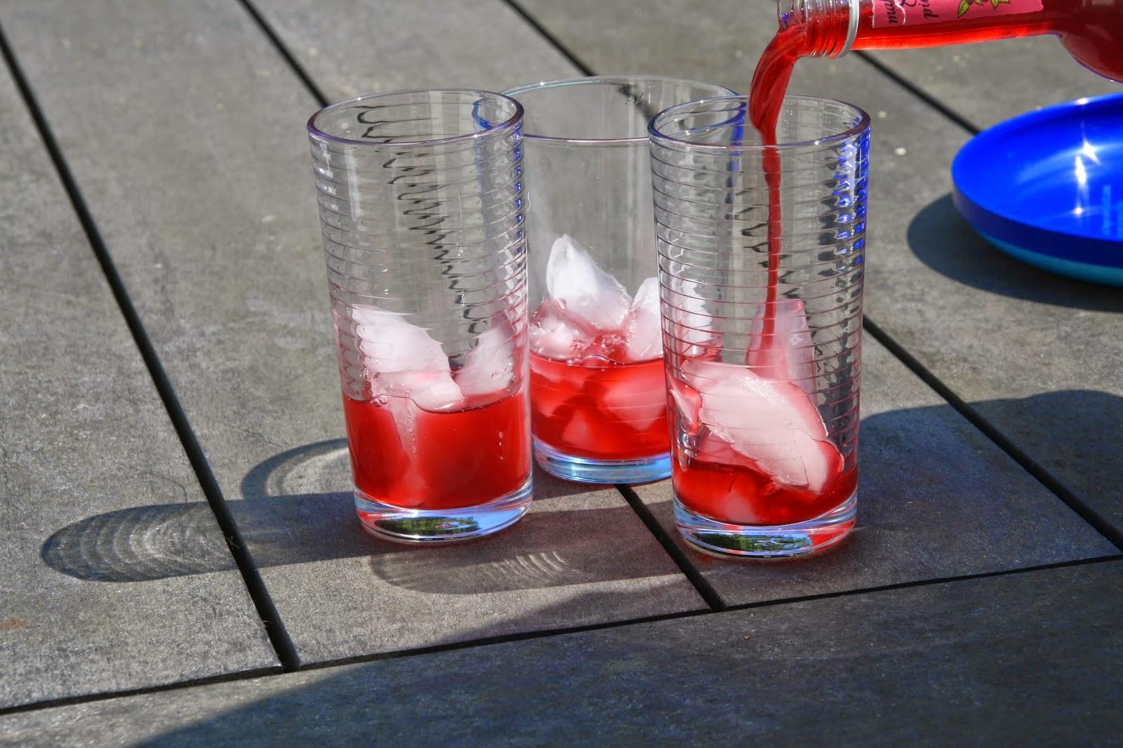 water met citroensap uit flesje