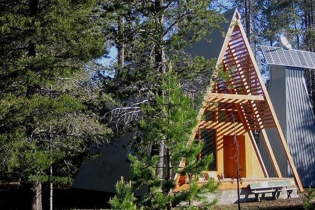 a modern a frame cabin in yosemite