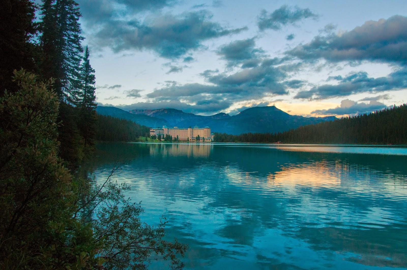 fairmount chateau lake louise hotel, canada, alberta