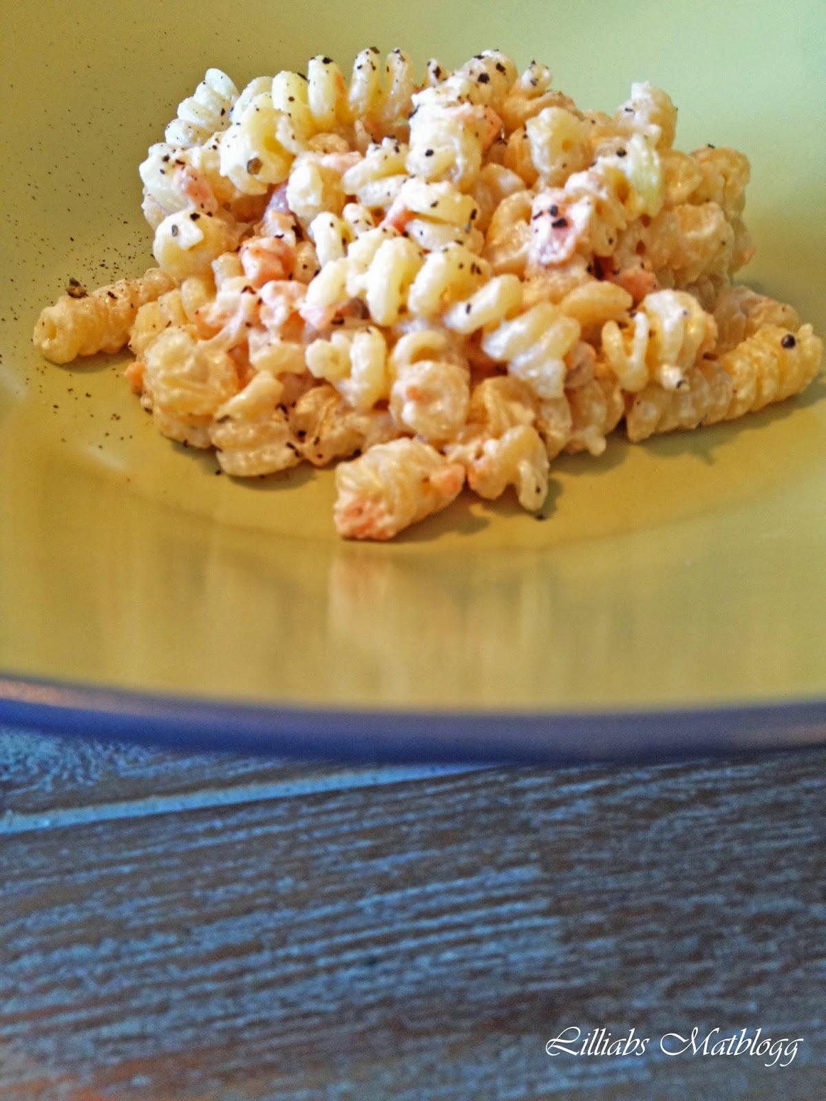 http://www.lilliansmatblogg.no/2012/08/kremet-pasta-med-rkelaks.html
