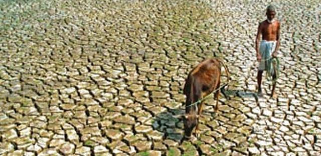 """Relatório de Desenvolvimento Humano 2011: Moçambique """"à beira do precipício""""?"""