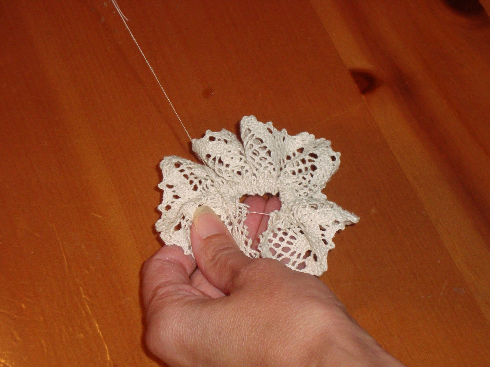 Как сделать цветок из ткани на платье своими руками? 61