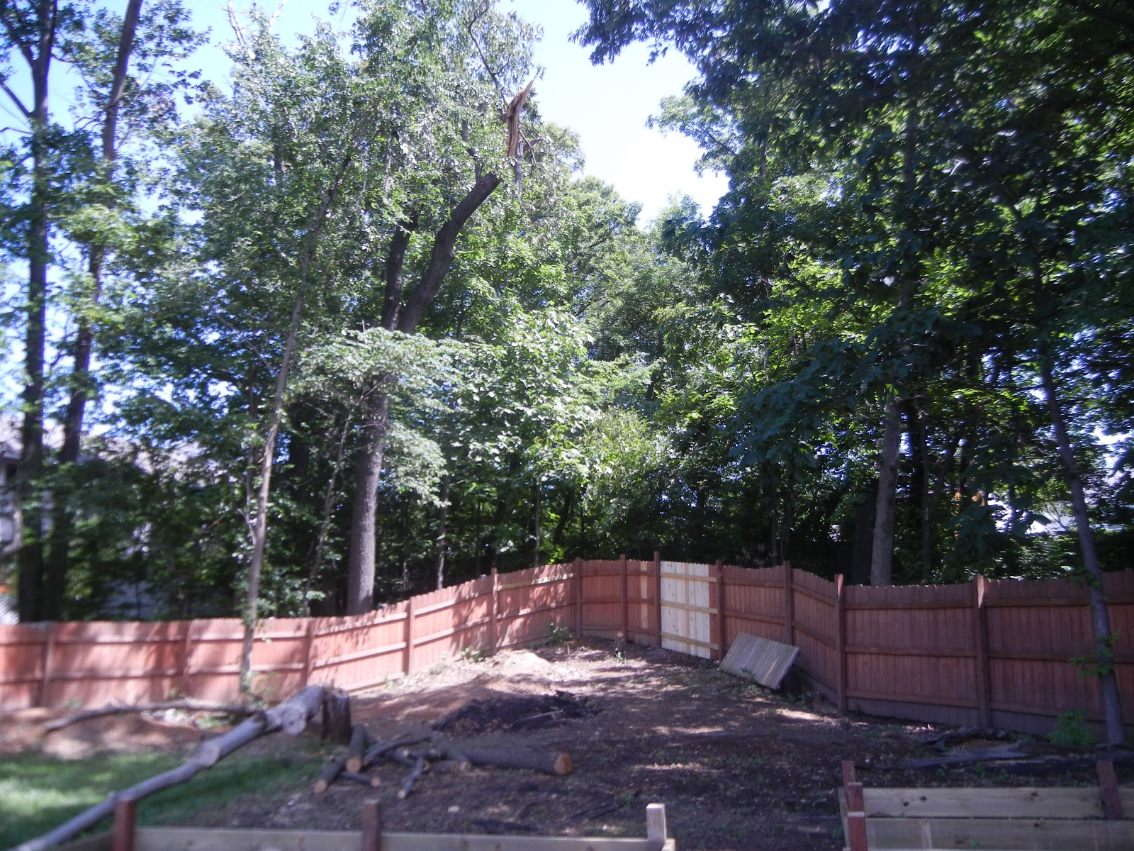 Retaining Wall Backyard Hill :   Landscaping Backyard Hill Gray Windsor Retaining Wall Blocks