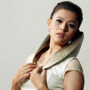 Sharifah Zarina - Memandang Awan Lirik dan Video