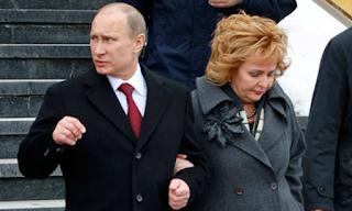 """""""Αυτός ο Πούτιν δεν είναι ο αληθινός"""" - Η ΠΡΩΗΝ ΓΥΝΑΙΚΑ ΤΟΥ ΛΕΕΙ ΟΤΙ ΕΙΝΑΙ ΝΕΚΡΟΣ -ΒΙΝΤΕΟ"""