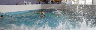 piscine toboggan vague sauna hammamPISCINE LE POINT D'EAU LA LOUVIERE