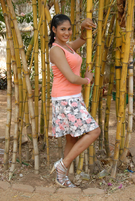 shruthi reddy glamour  images