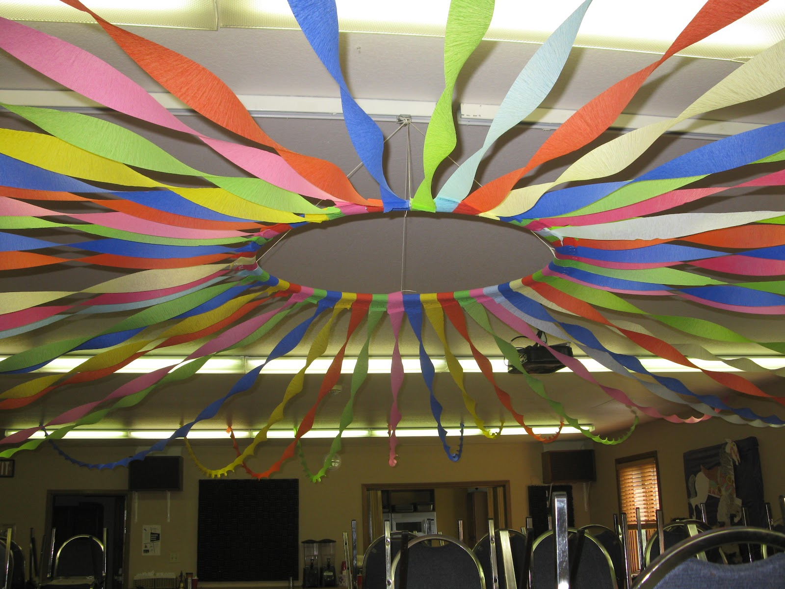 Pak art alaska vbs decorations for Ceiling streamers