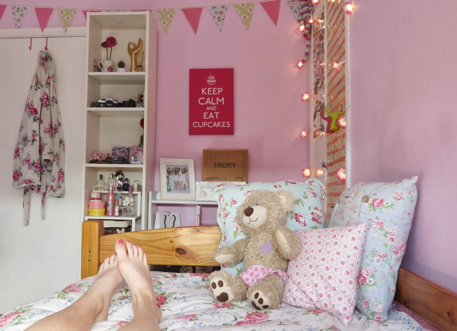 Bedroom Girl Girly Pink Vintage  Girly Bedroom Ideas Uk Ideal Spare Bedroom  Ideas for Home. Pink Vintage Bedroom   SNSM155 com