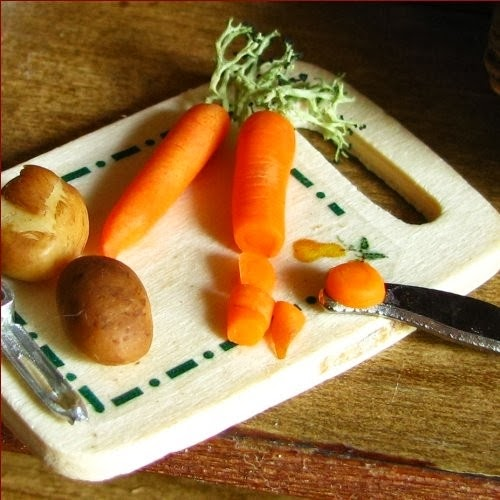 07-Chopping-Carrots-and-Potatoes-Small-Miniature-Food-Doll-Houses-Kim-Fairchildart-www-designstack-co