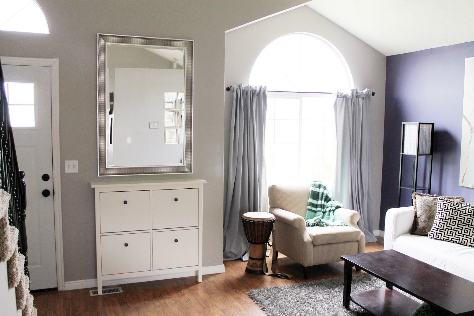 before and after entryway chris loves julia. Black Bedroom Furniture Sets. Home Design Ideas