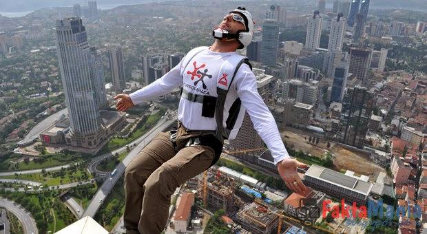 5 Tempat Lompatan Paling Menegangkan di Dunia