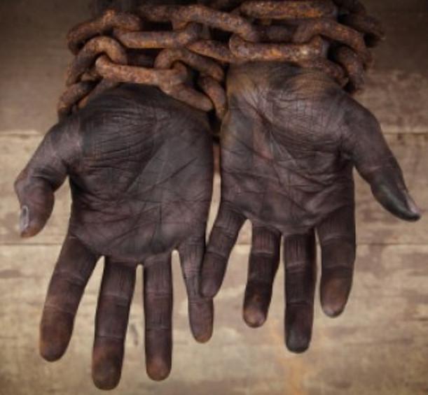 gorjeo primera vez escolta esclavitud