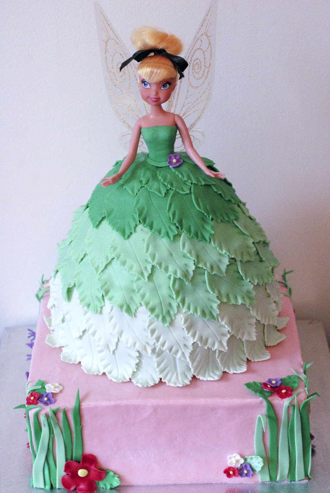 Night Baking: tinkerbell doll cake