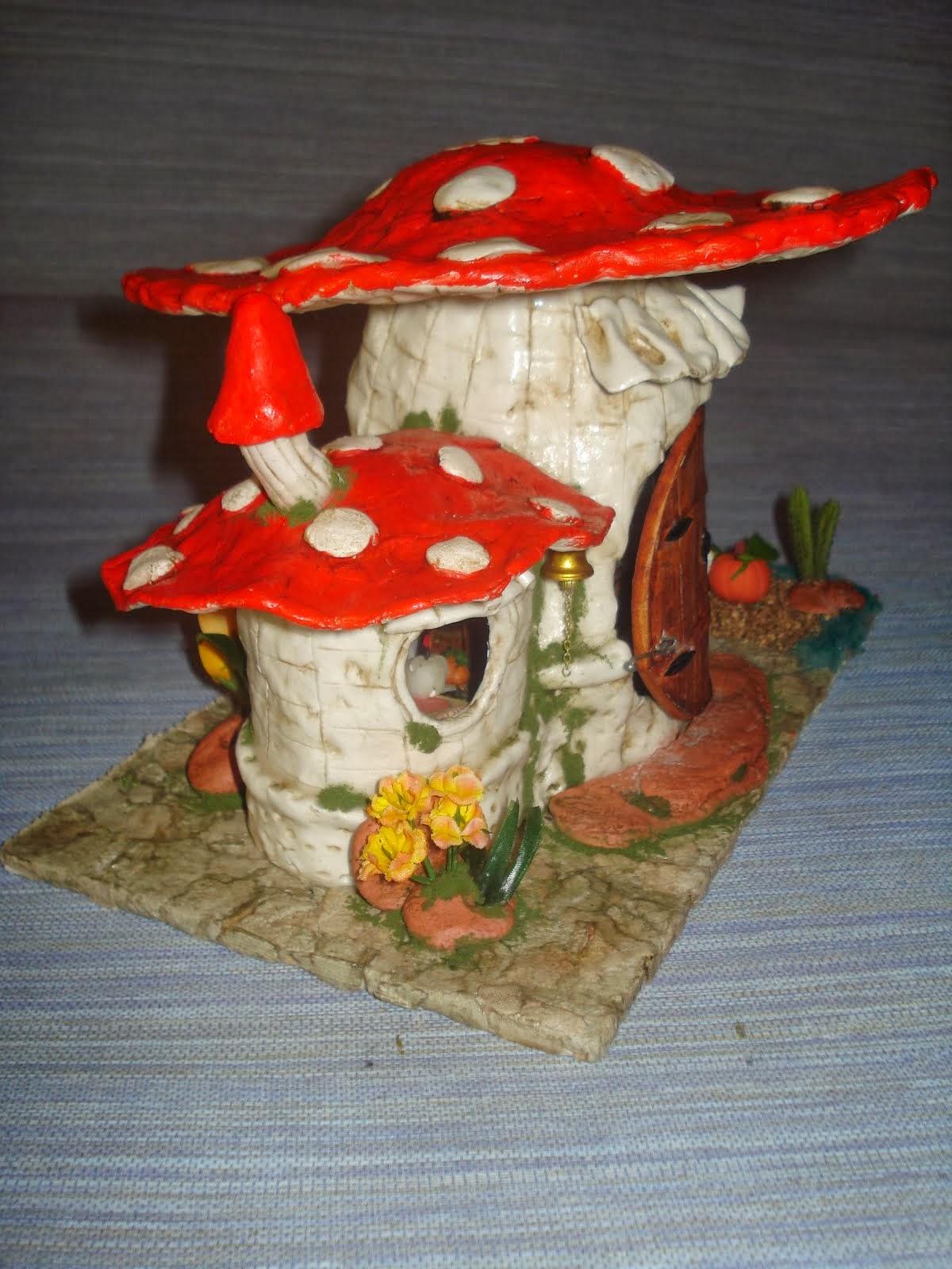 Manualidades casita duendes para jardin for Casita de plastico para jardin