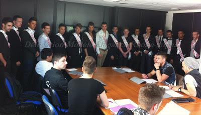 Les 16 candidats à l'élection et le jury de présélection, dont Guillaume du Studio 54.