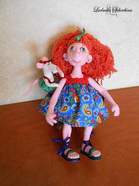текстильная кукла на проволочном каркасе Клариса с крысой