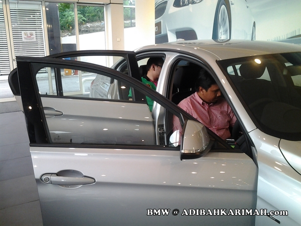Hasbi dan CDM Raz both premium beautiful top GLG agent at BMW to test drive new F30