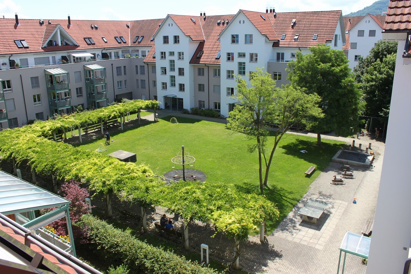 family-friendly courtyard housing in Zurich