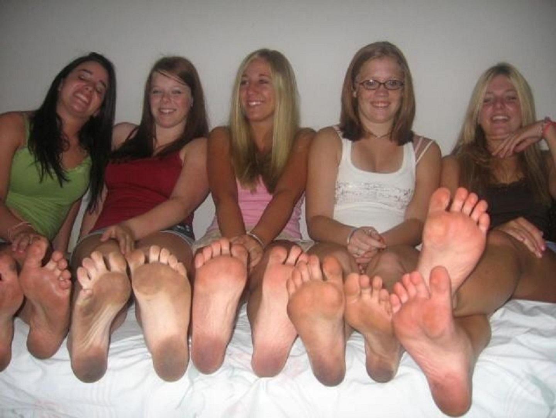 Skinny girls spread legs pussy