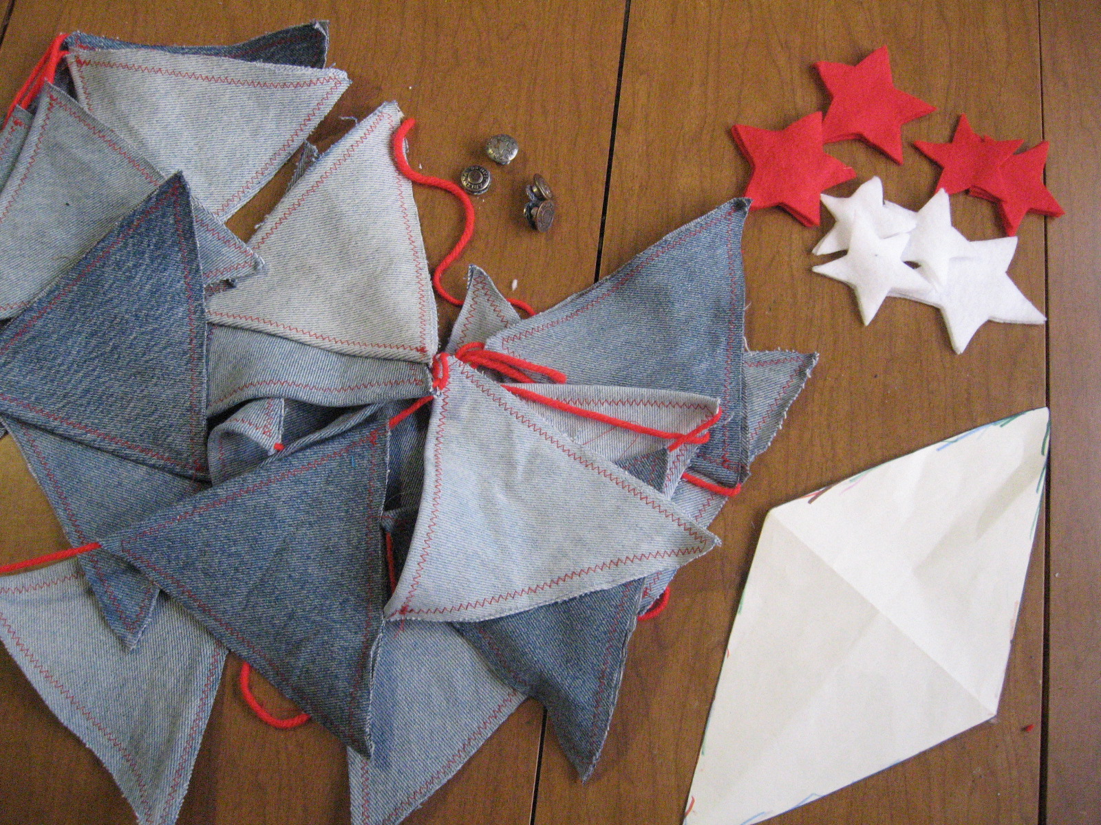 ... Into Reality When I Made Denim Bunting From Some Old Jeans. I Really  Like Patriotic Decorations And I Enjoyed Making This Fun Using Red, White  And Blue.