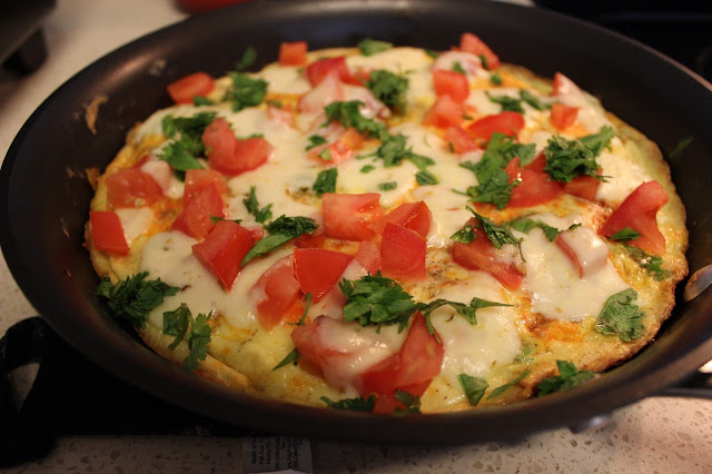 Chipotle Sausage, Scallion, and Tomato Frittata | A Hoppy Medium