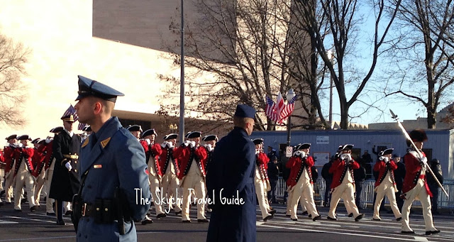 "<img src=""image.gif"" alt=""This are Redcoats Marching"" />"