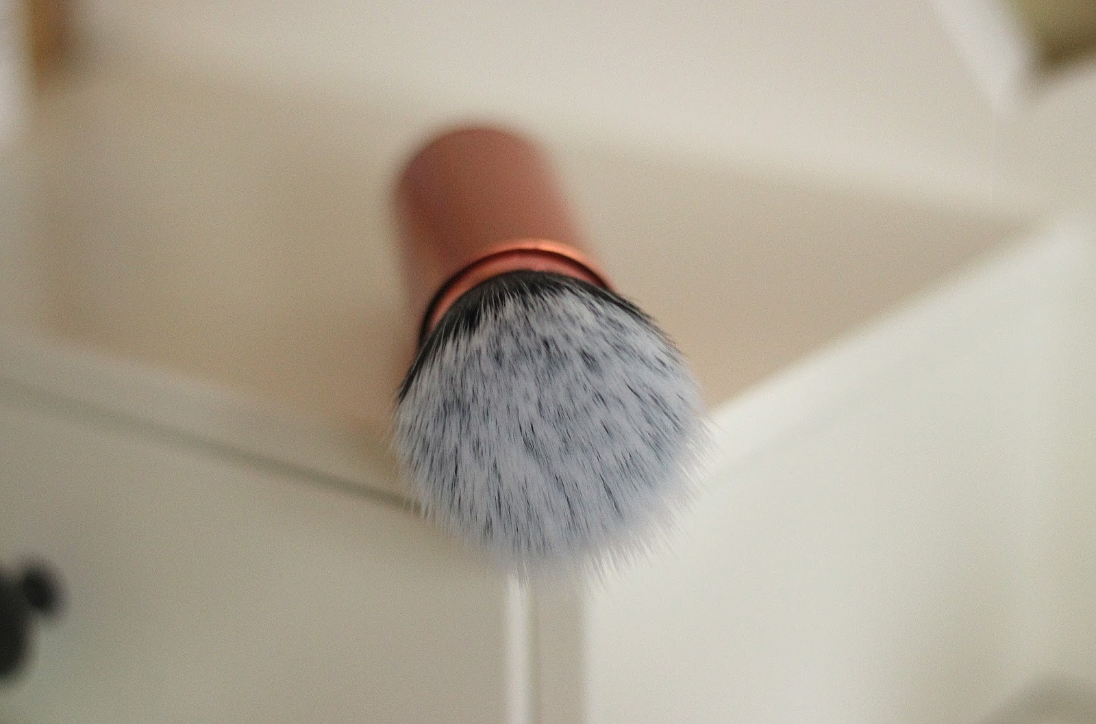 Real Techniques Retractable Brush