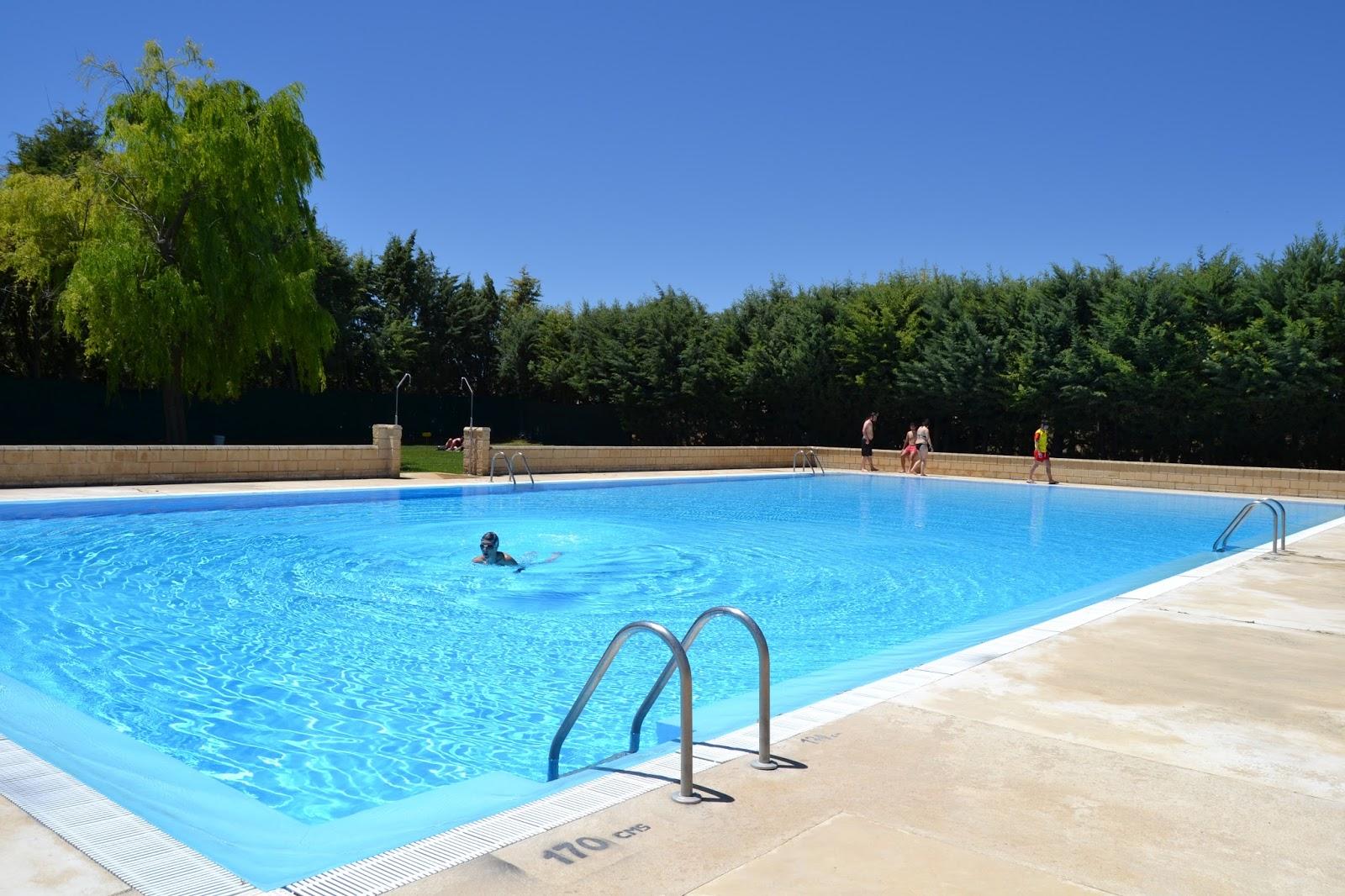 Turismo astudillo apertura de las piscinas municipales for Piscinas palencia